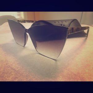 DIFF Tortoise Shell Brown Sunglasses